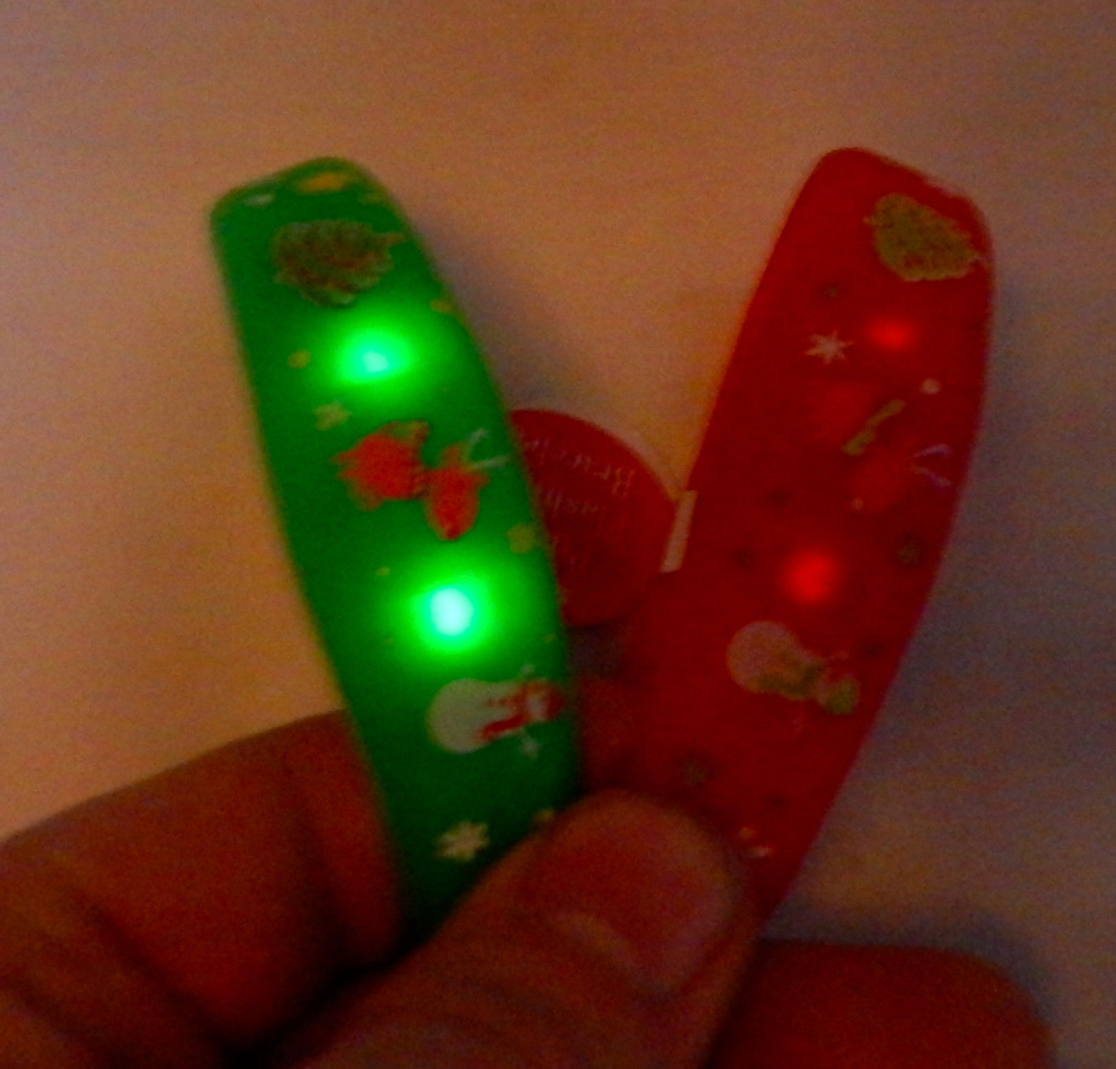 Christmas Coolites LED Pulse Flashing Bracelets Red & Green One Tap to Light 28G