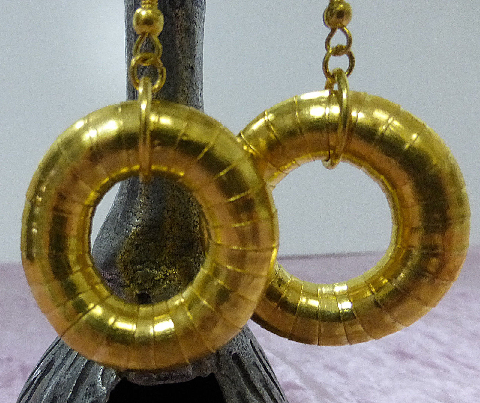 Fashion metal earrings round drop down gold color flexible round