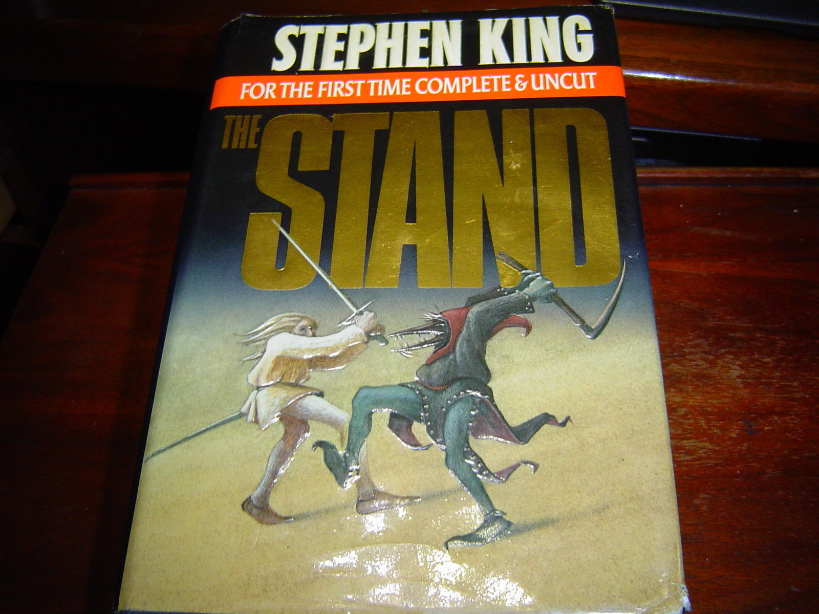 *LIKE NEW CONDITION* THE STAND by STEPHEN KING HARDCOVER (1990)