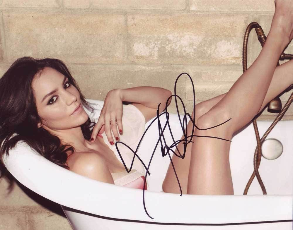 Katharine McPhee In-person AUTHENTIC Autographed Photo COA SHA #77499