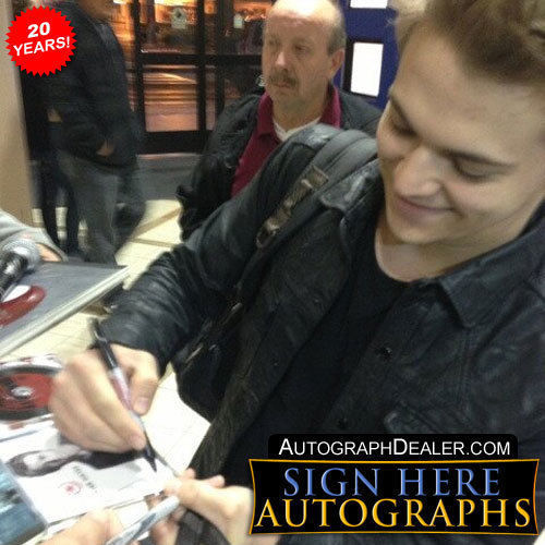Hunter Hayes In-person AUTHENTIC Autographed Photo COA SHA #85504