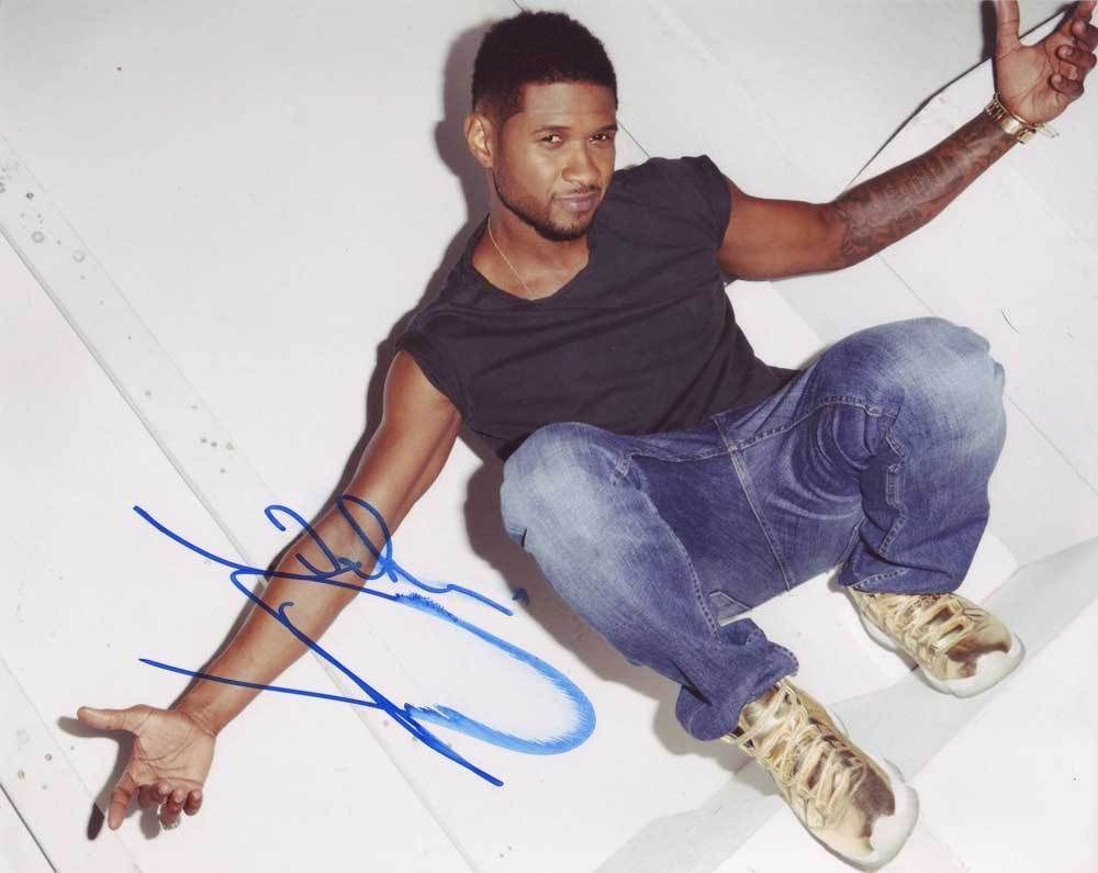 Usher Raymond In-person AUTHENTIC Autographed Photo COA SHA #30448