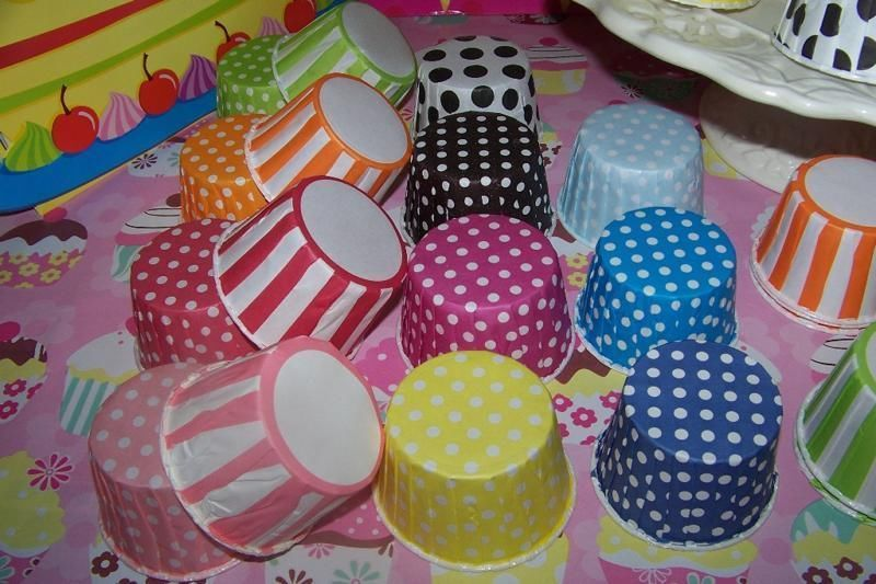 SnackTreat Cups Baking Cups 10  Red/white Stripe & 10 Peanut Bags-Circus Parties