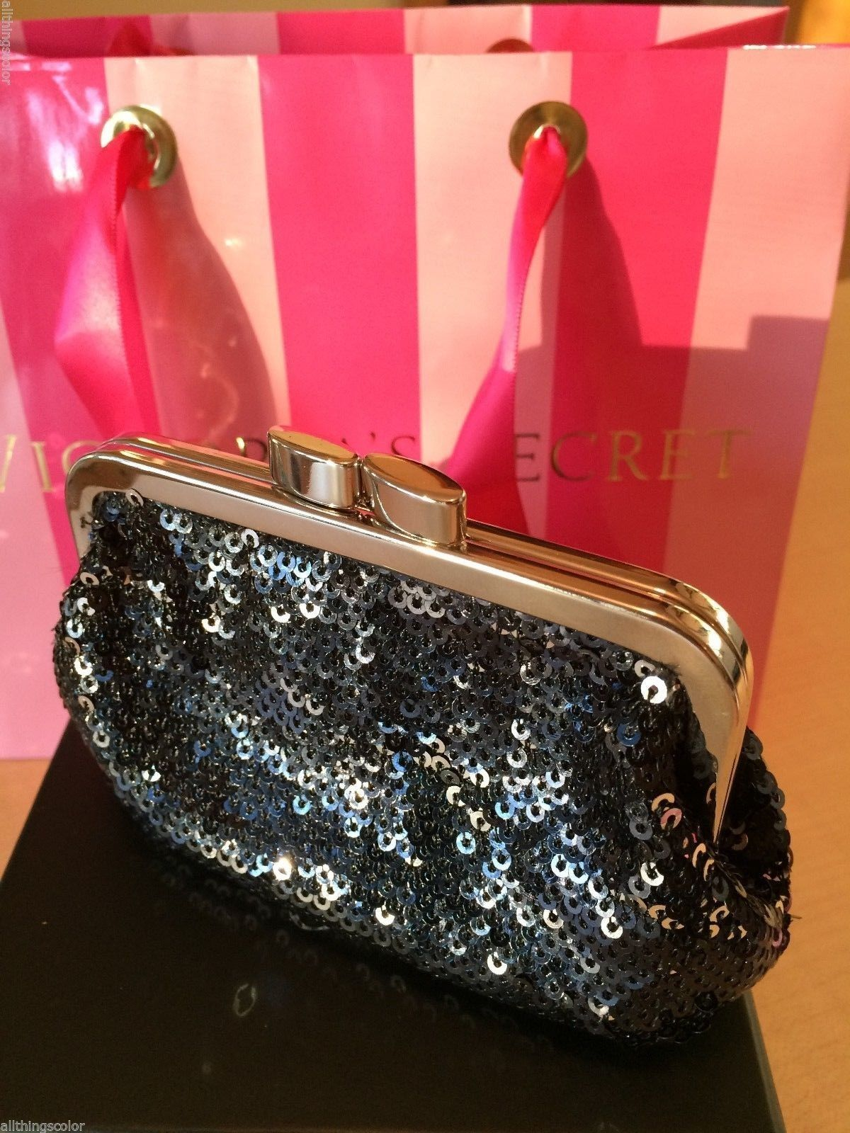 VICTORIAS SECRET ANGEL FOREVER BLACK SEQUIN COING PURSE ~ Limited Edition ~ NWT~
