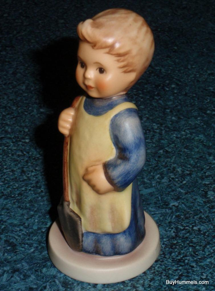Garden Treasures Goebel Hummel Figurine #727 TMK 7 CUTE COLLECTIBLE GIFT!
