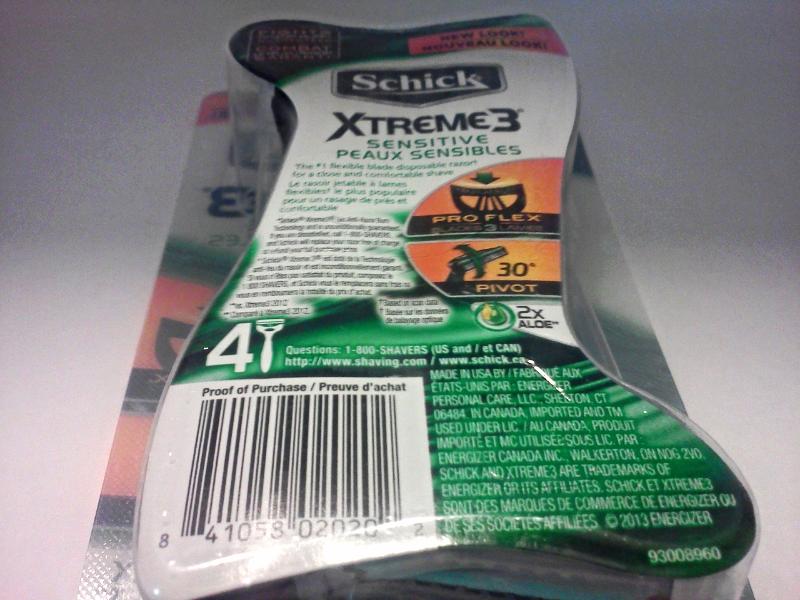 New Men's Schick Xtreme 3 Sensitive Disposable Pivot Razors 3 Blades (4 Pack)