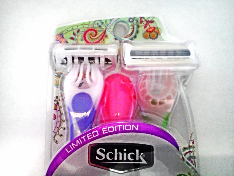 New Limited Edition Schick Quattro For Women Sensitive Skin 3 Disposable Razors