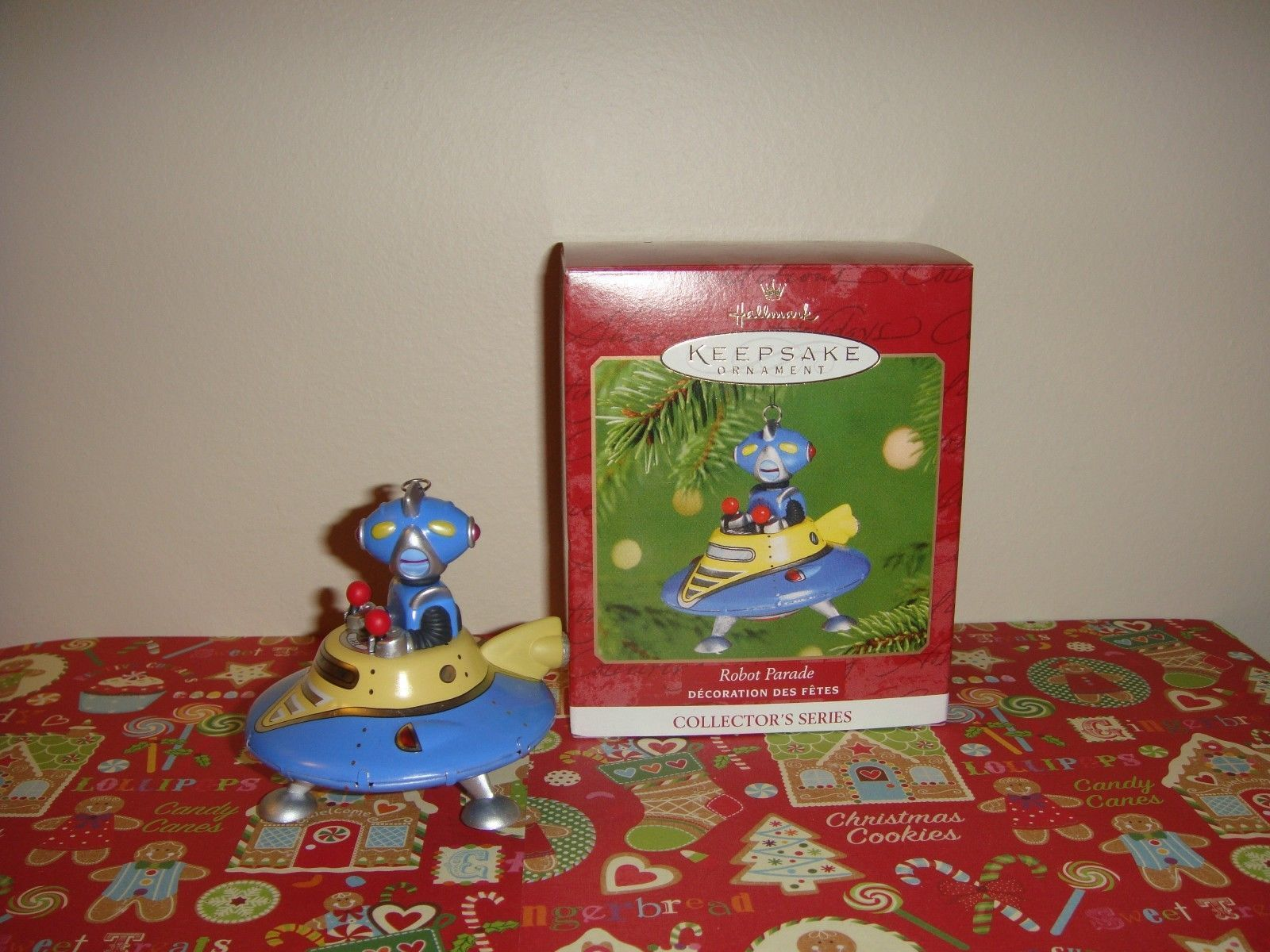 Hallmark 2001 Robot Parade 2nd In Series Ornament