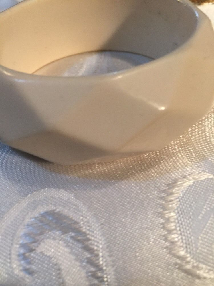 Grandmas Estate Ivory Geometric Lucite Bangle Bracelet 7-8""