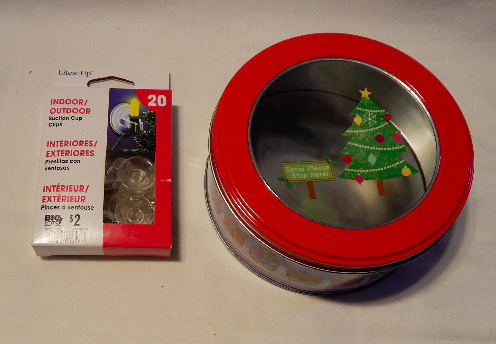 """Christmas Gift Tin Round Food Container 5.5"""" 20ea Lites Up Suction Cup Clips 27P"""