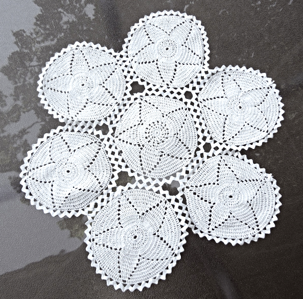 "16 1/2"" diameter Antique White Hand Made Crochet Doily with Zig Zag Trim #70040"