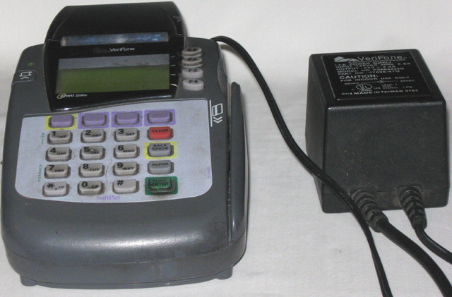 Verifone Omni 3200se SoftPay Credit Card Terminal With Power Adapter