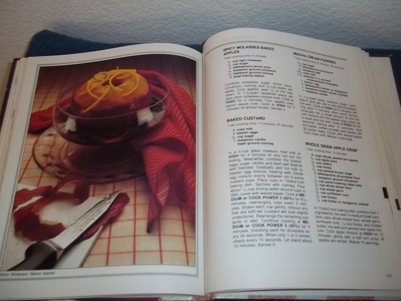 WHIRLPOOL MICRO MENUS COOKBOOK - YEAR 1983 - HARDCOVER