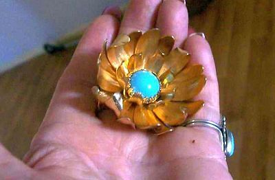 vintage Monet turquoise ,gold tone ,metal brooch approx 5cm, needs a clean