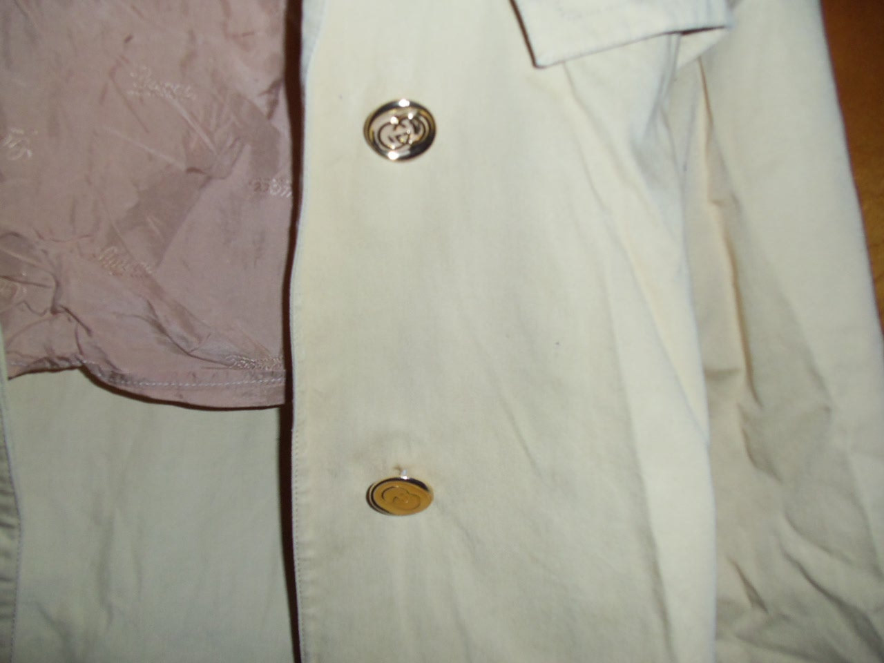 vintage women's authentic gucci trench coat 80s
