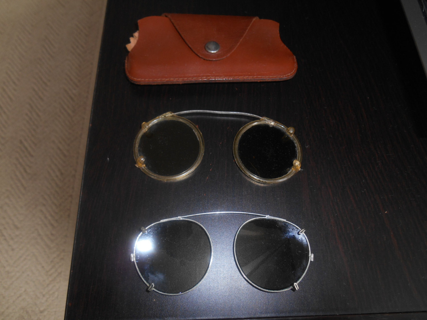 vgt 50's wire rim clip-on aviation sunglasses 2 lot with case green & grey tint