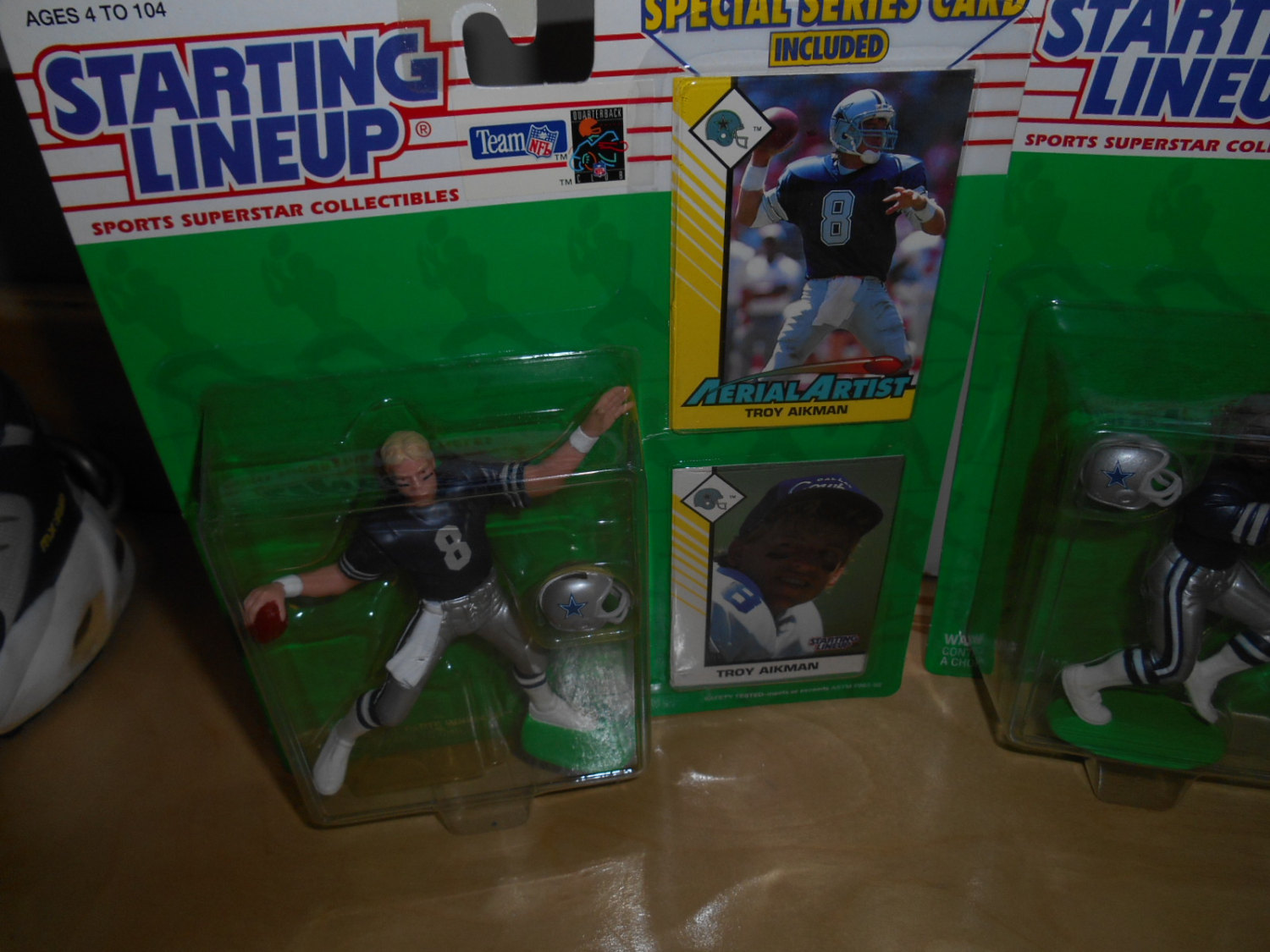 vgt 3 lot starting lineup figs. with special series cards troy aikman,michael ir