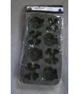 Black Halloween Skull and Crossbones Bone-shaped Horror Ice Cube Tray 8 ... - $3.25