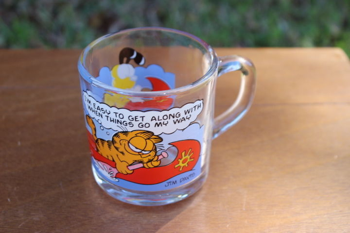 Vintage 1978 McDonald`s Garfield & Odie Glass Coffee Cup/Mug (Made In USA)