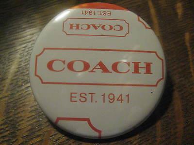 Coach Leather Magasin Sac Publicité Logo Promo Bouton Broche
