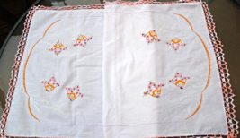 Vintage Table Runner-WHITE with Bright Floral Crewel Work Embroidery 18x36 #4711 - $12.00