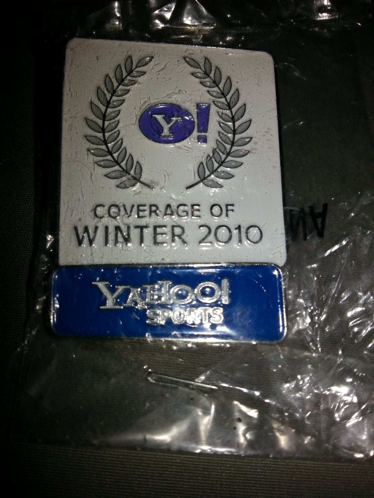Primary image for Vancouver 2010 - Winter Olympic Game - Yahoo Sports Pin - In Package - Rare !!