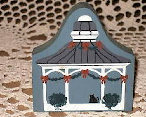 The Cat's Meow Village - Tabor House/Pickadilli Pipe&Tobacco/Bandstand Pavilion