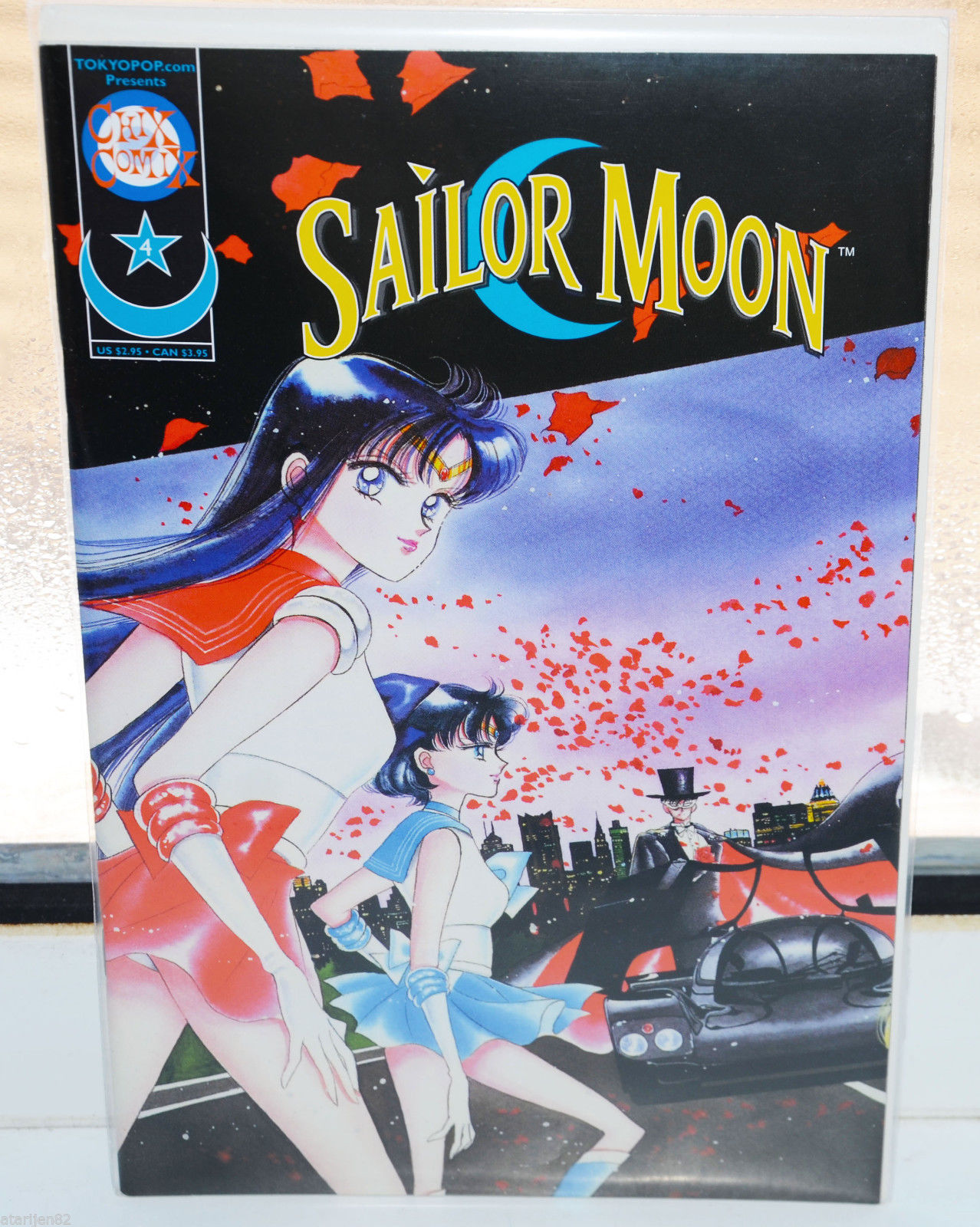Primary image for BRAND NEW Mixx Sailor Moon comic 4 manga Naoko Takeuchi Sailormoon girl english