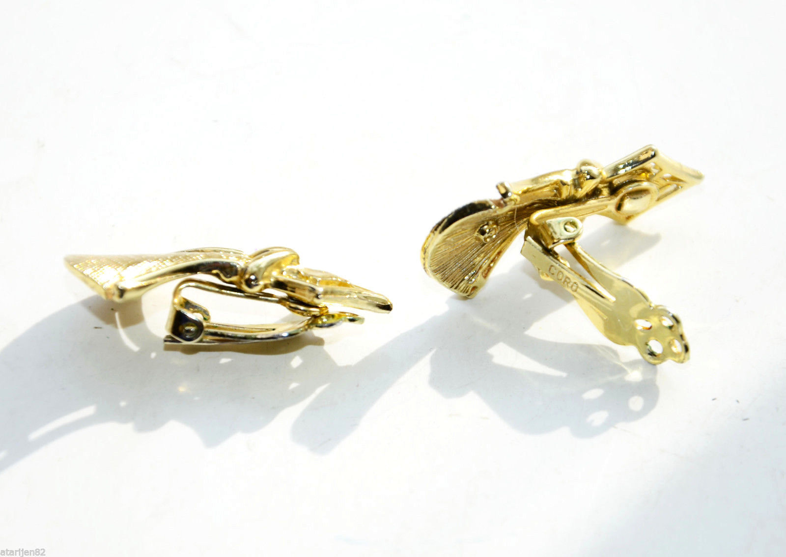 vintage High End luxury Coro Clip earrings gold Plated metal praying angel queen