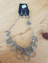 1089 Silver Hoop Necklace Set (New) - $8.58