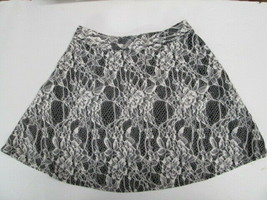 iZ Byer Girl floral lace skirt GIRLS SIZE SMALL 7/8 - £5.26 GBP