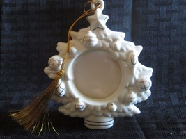 Lenox The Ivory And Gold Christmas Frame Ornament NIB With COA - $14.01