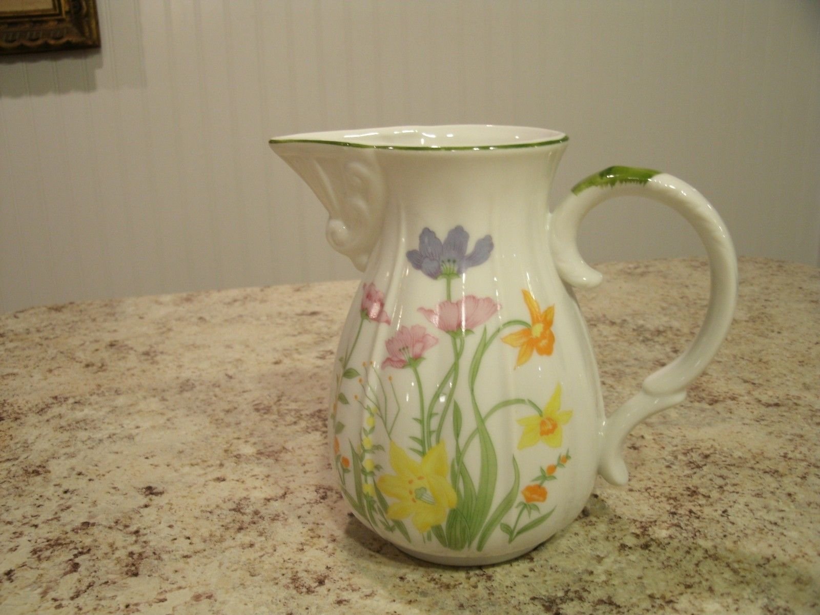 Primary image for Vintage 1974 Seymour Mann Fine China Eurasian Day Lily Pitcher with Spout Japan