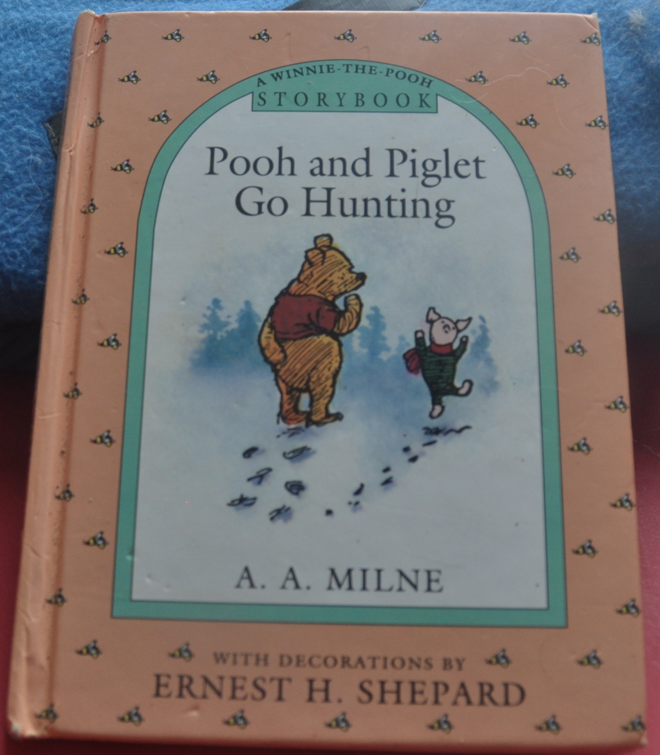 Primary image for Winnie the Pooh Bear Mystery of the Tracks - Pooh & Piglet Go Hunting Story Book