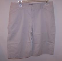 Lee Jeans Women's One True Fit Bernuda/Walking Shorts M (13-14) Beige 98% Cotton image 5