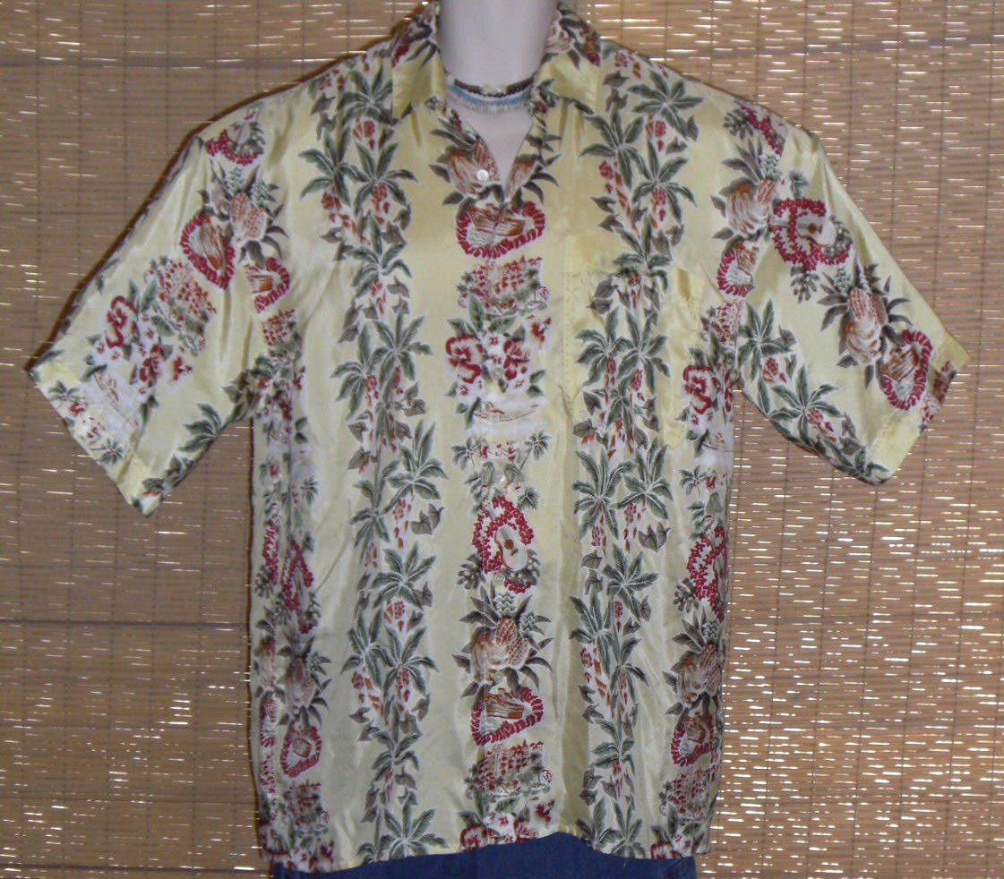 Primary image for HILO HATTIE Hawaiian Shirt Yellow Red Green Size Medium