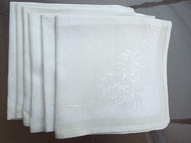 Apt bin  16 set of 5 vintage light ecru floral damask linen napkins   in good cond   possible general age discoloration  3.64 lot 10 4 13 cl calif  5104a