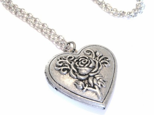 Primary image for Heart Shaped Photo Locket Necklace with Vintage Style Rose Designs