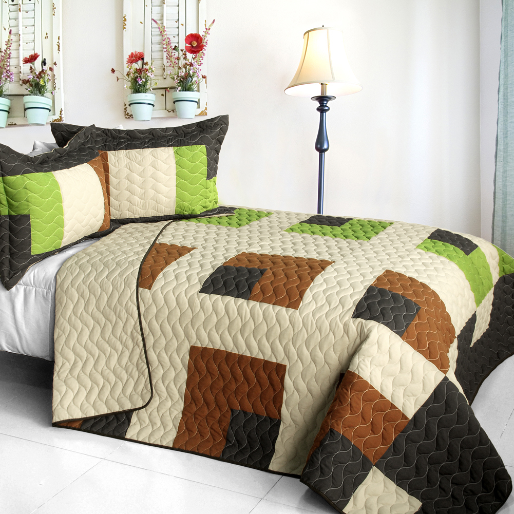 Primary image for [Initial Dream] 3PC Vermicelli - Quilted Patchwork Quilt Set (Full/Queen Size)