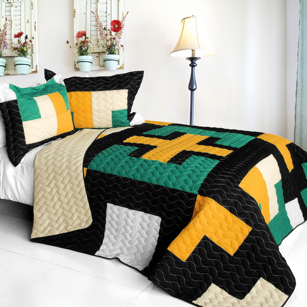 Primary image for [Faithful Pray] 3PC Vermicelli-Quilted Patchwork Quilt Set (Full/Queen Size)