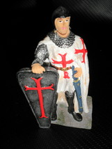 GSC Resin Knight With Shield Figurine # 11504 - $8.91