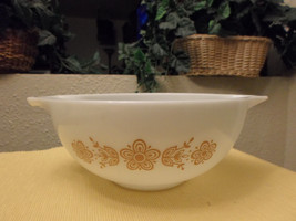 Vintage 2 1/2 QT Pyrex Mixing Bowl - Butterfly - $14.99
