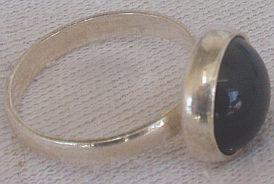 Round onyx ring C