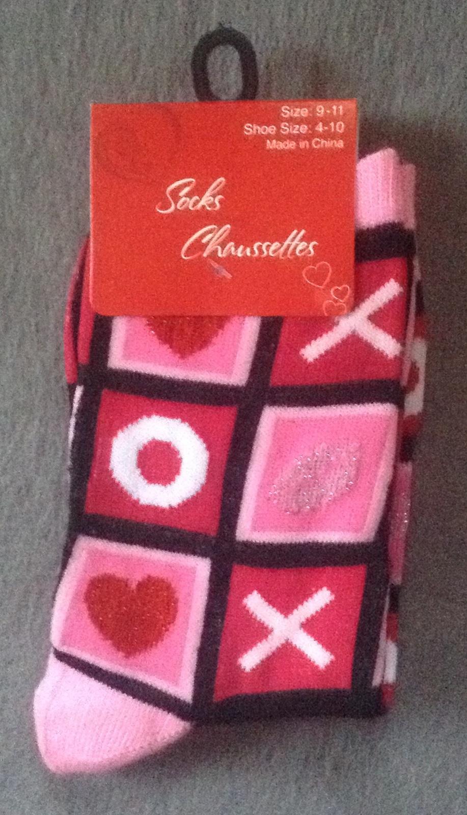 1 Pair Ladies Women's Valentine's Day Sock XX OO Hearts size 9-11 4-10 - $2.99