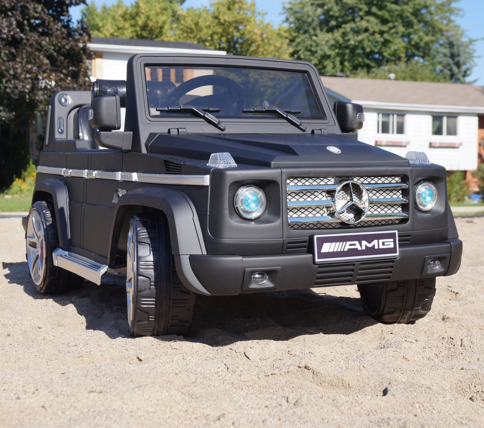 Mercedes benz g55 amg 2 seat kids ride on battery powered for Mercedes benz 2 seater