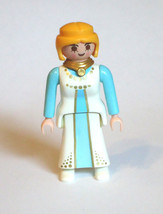 Playmobil Figure Princess Castle Queen 3835 - $2.99