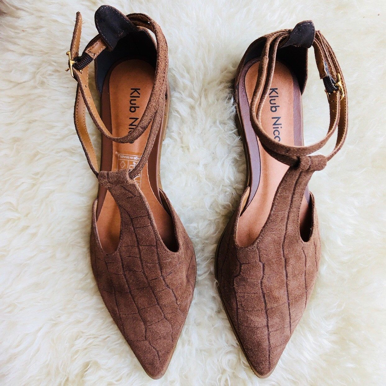KLUB NICO Anthropologie Sexy Brown Pointed Toe T Strap Flats NEW Brazil Size 7
