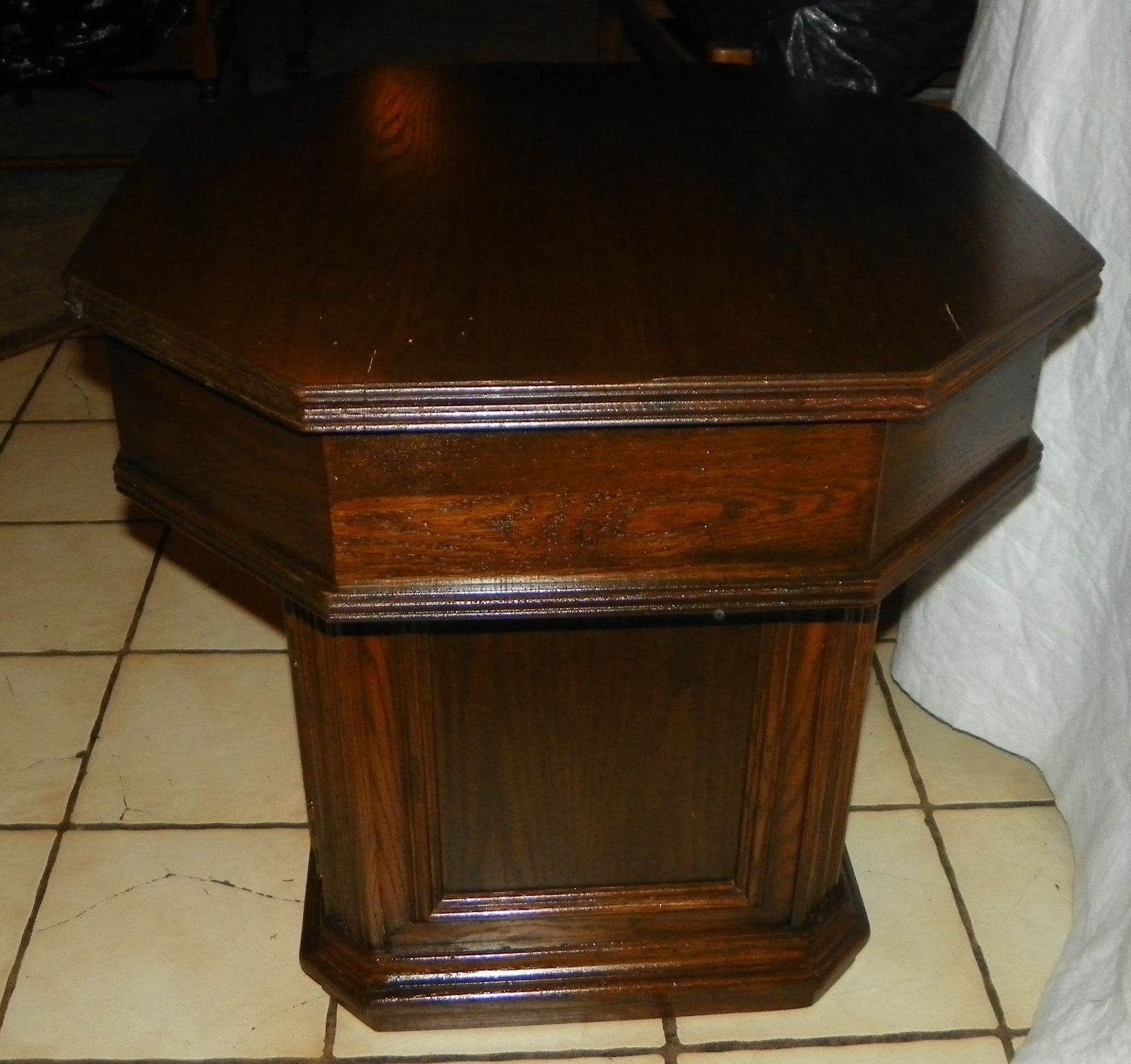 Octagon Side Table ~ Ethan allen oak octagon end table side t post