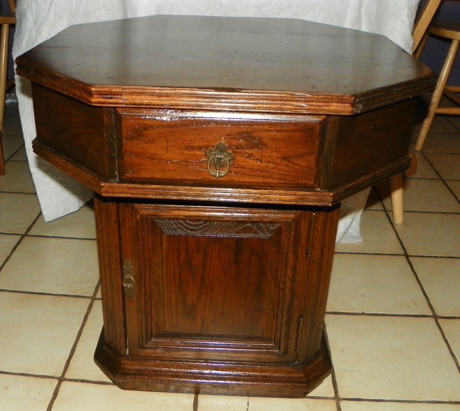 Amazing photo of Ethan Allen Oak Octagon End Table Side Table and 50 similar items with #AE510F color and 1600x1429 pixels