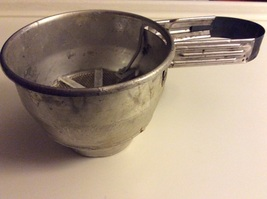 1950's Vintage Foley Hand Squeeze Flour Sifter 1 Cup - $16.95